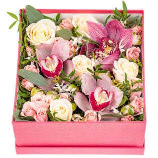Цветы в коробке «Любовная история»